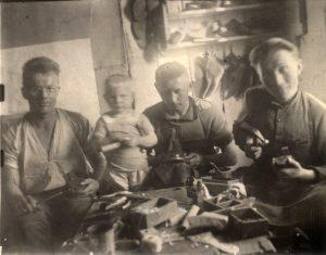 Tėvo siuvykloje