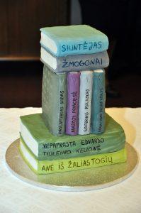 Tortas iš knygų