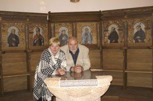 Poezijos pavasario - 2010 šventė Kretingos pranciškonų vienuolyne. Su vyru Gasparu.