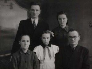 Trojepolskiai tėvai ir vaikai