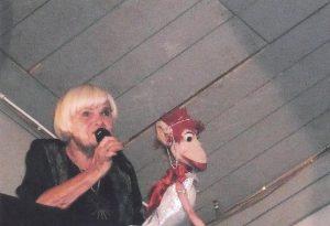 Garsioji Olitos beždžionė Agota.