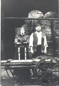 """8.Šolom Aleichem """"Tevje pienininkas"""". Golde – Olita Dautartaitė, Tevje –  Sigitas Jokubauskas."""