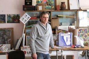 Rimvydas Pupelis savo dirbtuvėje. Fotografavo Ričardas Šileika
