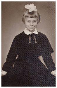 Man septyni metai, aš einu į pirmąją klasę. Nuotrauka daryta mano gimimo dieną – rugsėjo 3