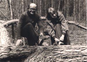 Su Nedzingės šviesuoliu a.a. Benediktu Navicku Marcinkonių girioje.