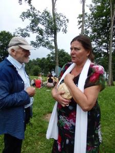 Irena Kriauzaitė su Jonu Vaitkumi Linkmenyse.