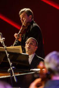 Raimondas Butvila su žymiu pianistu Alexanderiu Paley'u