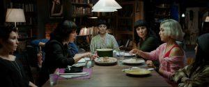 Švedų aktorei Noomi Rapace teko nelengva užduotis - įkūnyti septynias seseris.