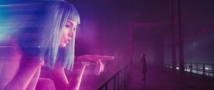 Kibernetinė vaizdinija liudija efektingą kinematografinę estetiką.