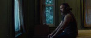 Vienatvėje pagrindinį veikėją Joe (Joaquin Phoenix) kankina slogi akistata su praeitimi.