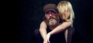 Joe pavyksta iš nepilnamečių prostitucijos tinklo išlaisvinti jauną mergaitę Niną (Ekaterina Samsonova).