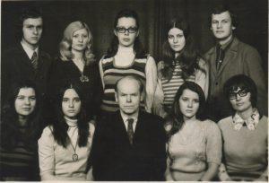 Su kurso draugais ir destytoju kompozitoriumi Jonu Nabazu. 1973 m. LMTA archyvas