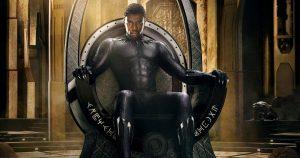 Wakandos valdovas  superherojus T'Challa, tapęs Juodąja Pantera (Chadwickas Bosemanas)