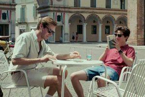 Pirmas Elio ir Oliverio pasivaikščiojimas po apylinkes, šviečiant kaitriai itališkos vasaros saulei.