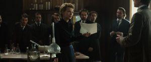 Marie Curie kartu su savo studentais.