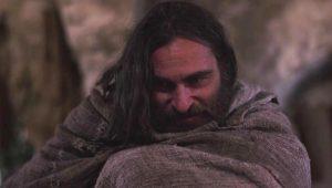 Pirmasis Jėzaus Kristaus (Joaquin Phoenix) apsilankymas pas neva demonų apsėstą Mariją Magdalietę.