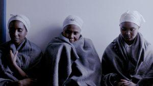 """Dainoje """"Batuka"""" ir ją lydinčiame vaizdo klipe Madonna išsako solidarumą Afrikos moterų kovai už emancipaciją."""