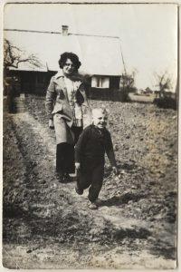 Sesę Stase išlydžiu į Vilnių. Nuotrauka iš asmeninio archyvo