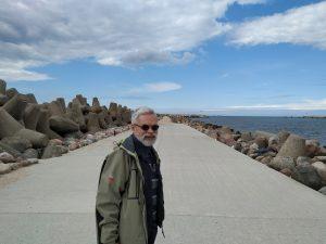 Vladas Braziūnas Ventspilyje ant molo, 2020. Aivaro Eipuro nuotrauka